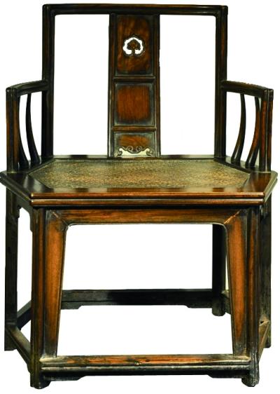 修复后的黄花梨座椅
