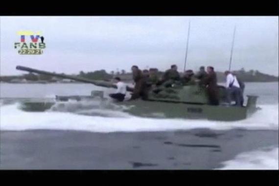中国产战车在美国后院进行武器测试