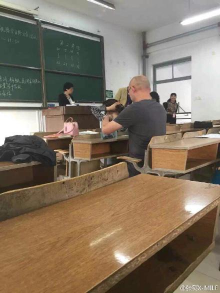 孟非参加考试