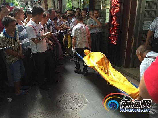 死亡女子被送往殡仪馆。(南海网记者 高鹏 摄)