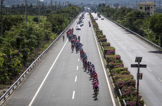 第十届环海南岛国际公路自行车赛第七赛段德国车手夺冠