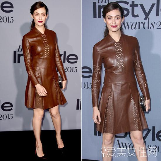 艾米-罗森(Emmy Rossum)穿棕色皮革裙亮相