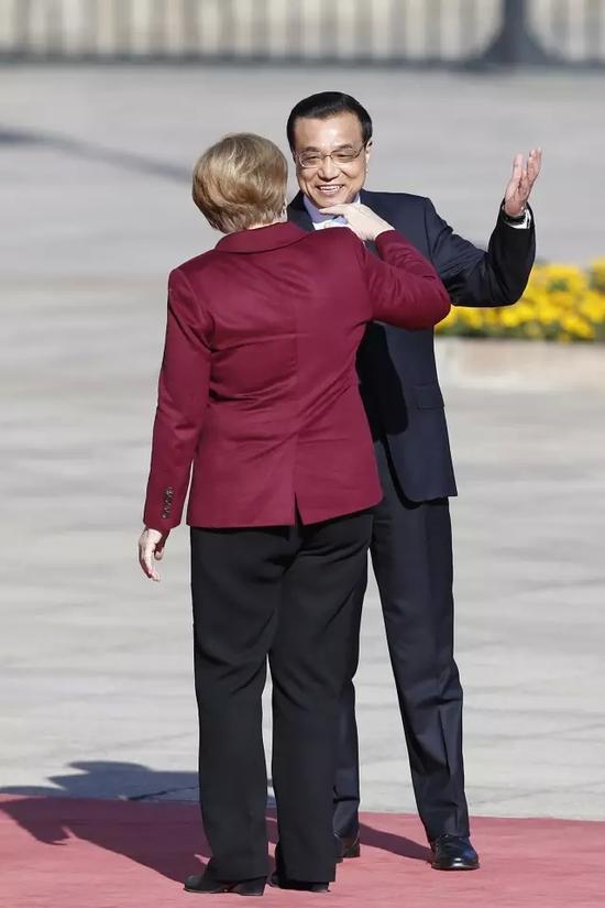 李克强为德国总理默克尔举行欢迎仪式