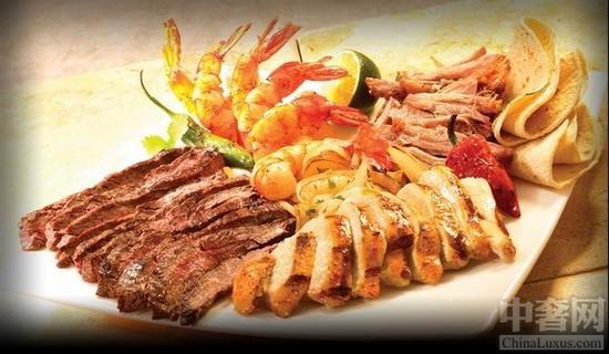 奢华的海鲜大餐是重头戏
