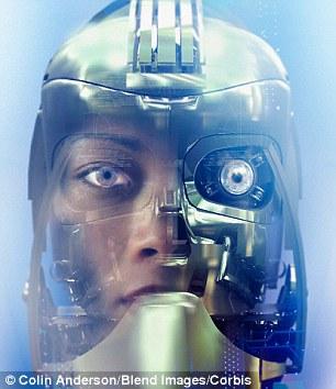 马丁爵士认为,也许再过一两百年,机器智慧就会胜过人类智慧。