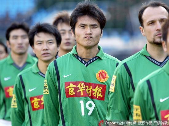 2000年甲A赛场上的小将邵佳一