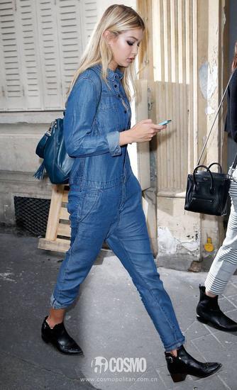 Gigi牛仔裤搭配短靴