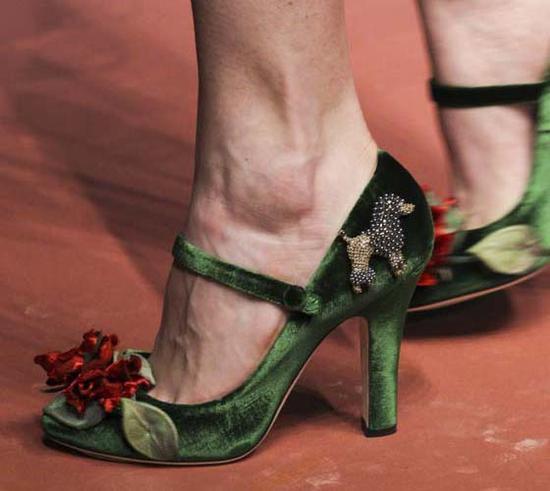 2015秋冬Dolce&Gabbana的秀场绿色高跟鞋