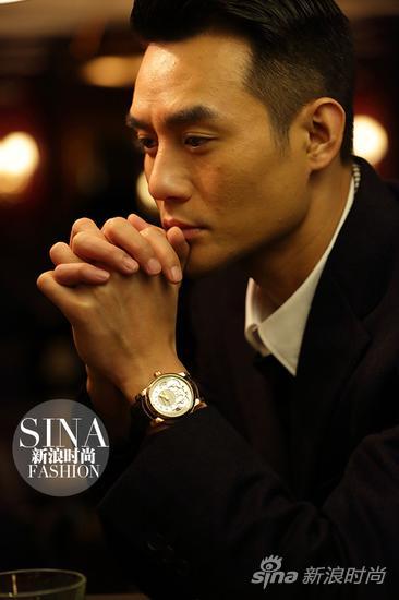 世界上最帅的总裁_王凯佩戴万宝龙明星尼古拉斯·凯世单按钮计时表演绎帅气总裁