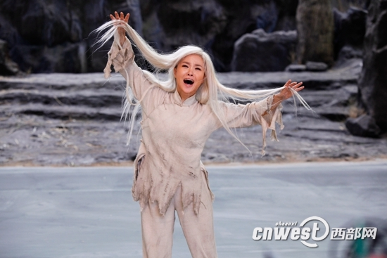 新版歌剧《白毛女》剧照