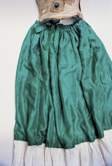 绿丝裙和紧身褡
