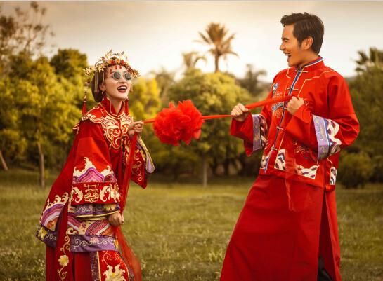 中式礼服婚纱照欣赏 演绎浪漫中国风