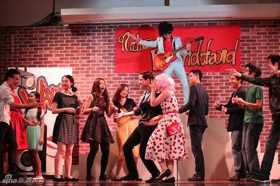 学生舞台剧表演