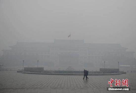 东北持续严重雾霾 沈阳PM2.5超1000浓度爆表
