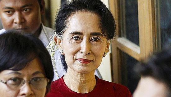 缅甸长时间的反对派领袖昂山素季率领民盟赢得大选