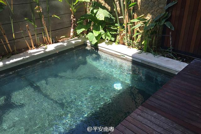 电信诈骗分子藏匿别墅内的泳池。
