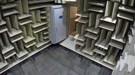 Building 87消音室