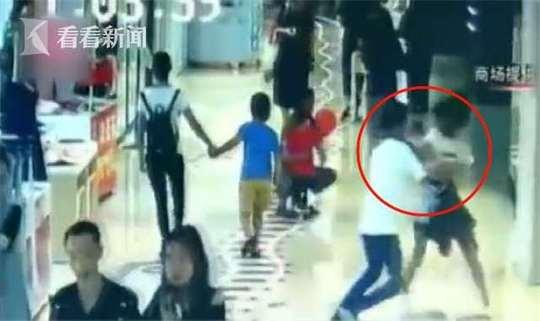 黄磊女儿疑被同学爆料:没照片美 经常不快乐