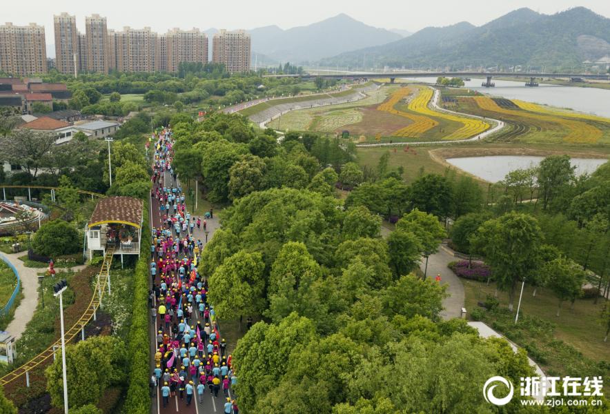 中共中央新闻发布会:中美经济彻底脱钩根本不现实