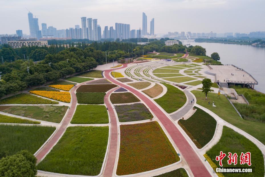 长江流经哪些地形区