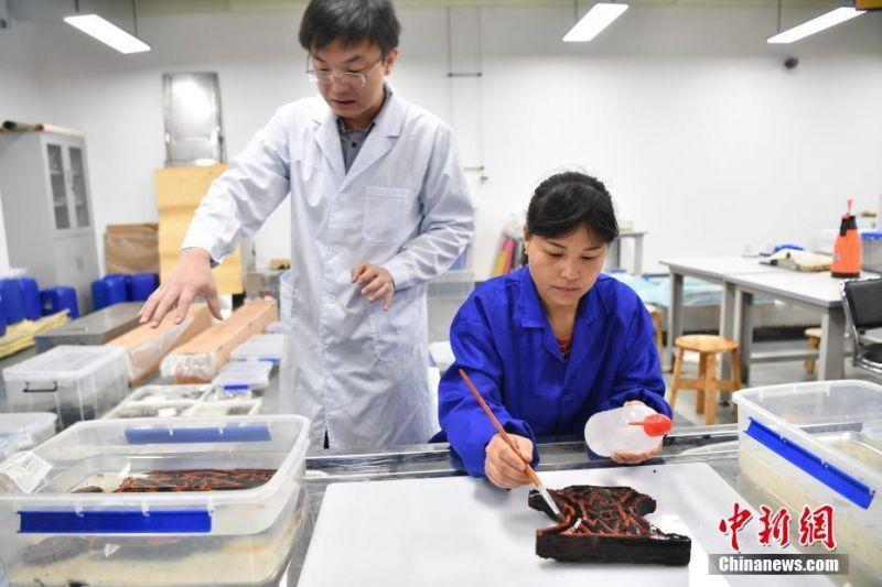 中国首个新冠mRNA疫苗获批试验