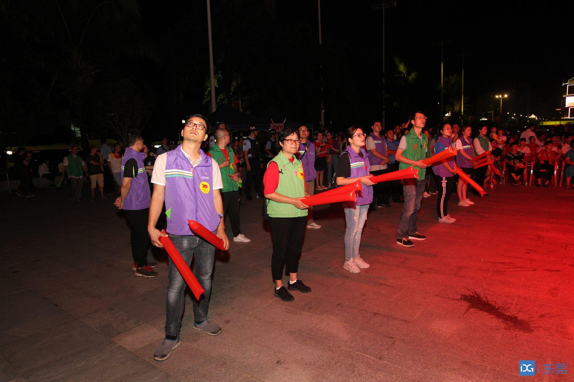 樟木头:400名志愿者为国庆站岗!