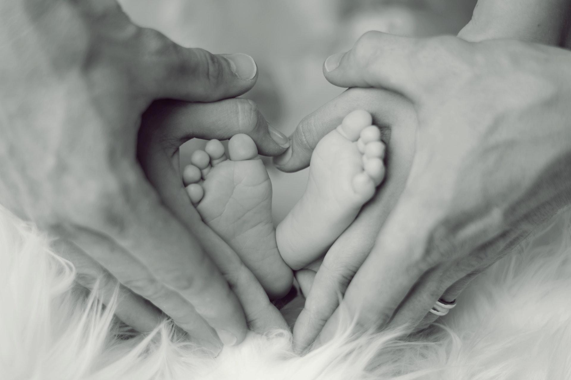 来自武汉方舱哺乳期新冠妈妈的求助:等我转阴了,还能给宝宝喂奶吗?