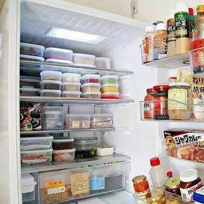 为什么打开冰箱时,冷藏柜会亮,<em>冷冻</em>柜却不会亮?