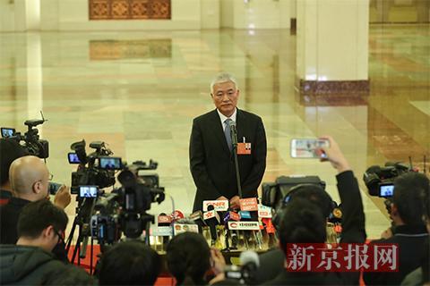 科技部部长王志刚接受采访。新京报记者 侯少卿 摄