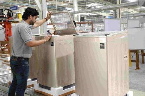 日立探讨让中印代工生产低价白色家电