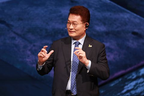 韩国北方经济合作委员会首任委员长宋永吉