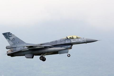 台军10年间已坠毁8架F-16 飞行员5年遇2次坠机