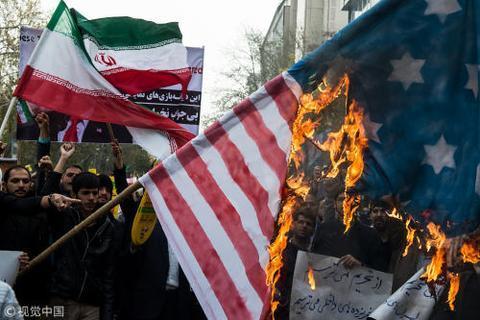 11月4日,伊朗全国举行大规模游行,抗议美国恢复对伊朗的制裁。图片来源:视觉中国