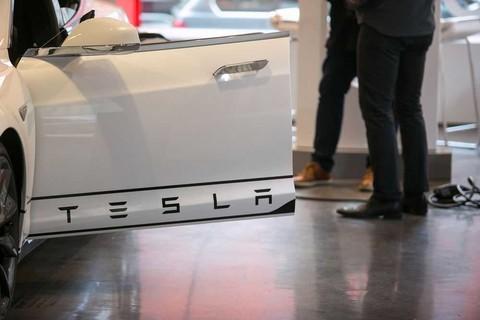 特斯拉遭起诉:Model S高科技门把手被指酿成致命事故