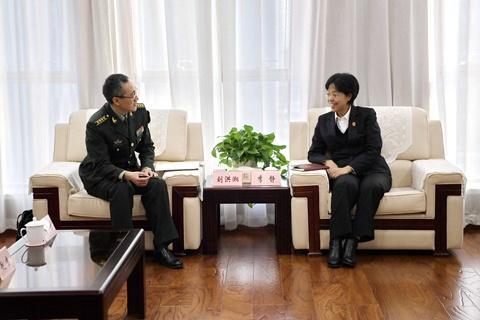 天津高院与北京军事法院进行座谈