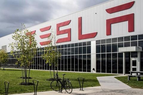 特斯拉创始人埃隆·马斯克:将会加快制造呼吸机