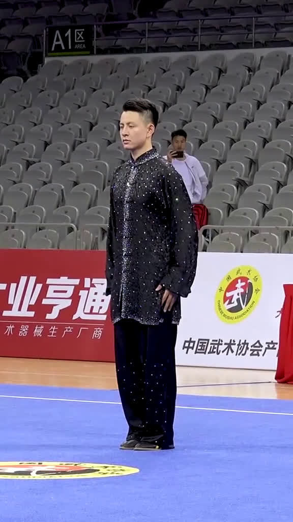 2019年全国武术套路锦标赛,男子太极拳第一名杨顺洪