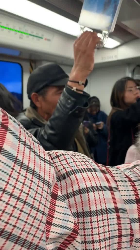 南京地铁三号线 我输了[摊手]2019最值得记住的一件事儿