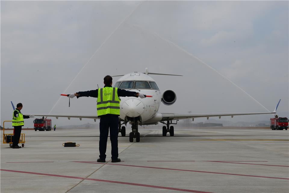 陇南机场正式通航图片 46083 960x640