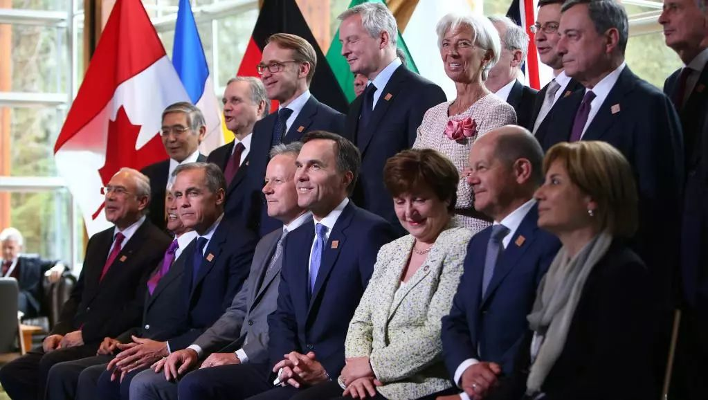▲G7财长在惠斯勒会议上合影。