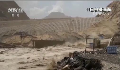昆仑山突发融雪性洪水 相当于3个西湖的洪水全部倾泻而下