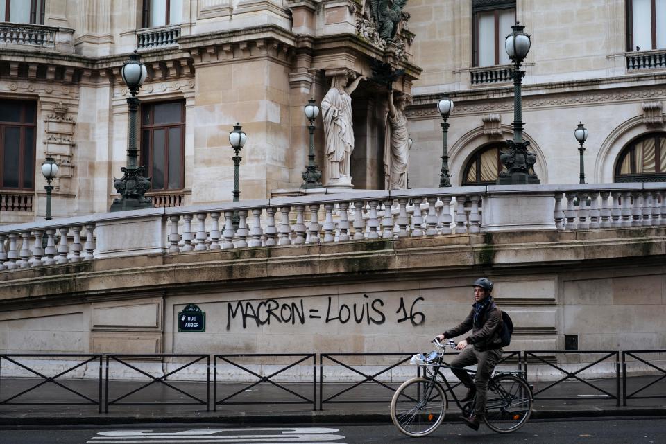 涂鸦:马克龙=路易十六