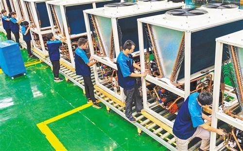 河北省枣强县通过引进先进技术,设备和科技人才,加快机械制造业由