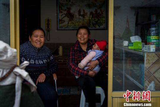 """探访西藏""""4·25""""地震三周年:灾后重建展新貌"""