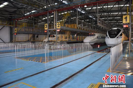 江门至湛江铁路试运行 动车组运行安全平稳有序