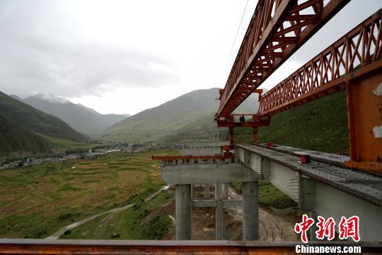 西藏一公路项目投两千余万元进行环境保护