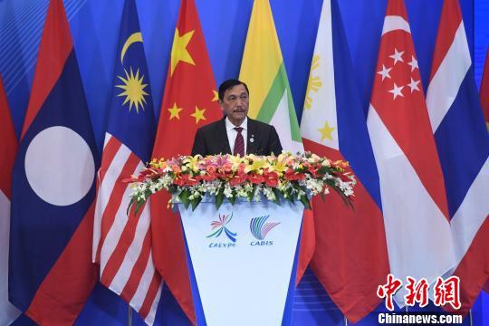 印尼总统特使:经济合作是东盟中