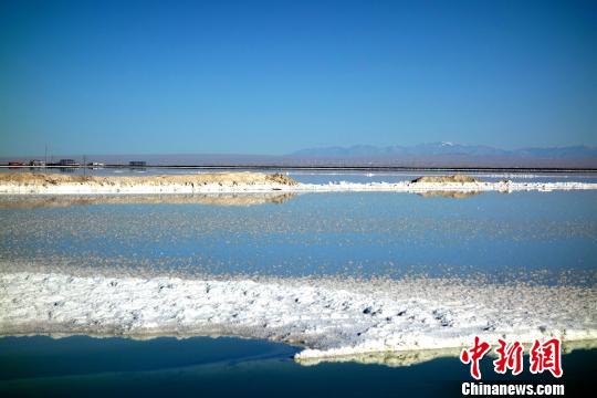 停止2018岁尾,中国资本型钾肥产能约758万吨,产量560万吨,产能操纵率74%,中国已成为天下第四年夜钾肥消费国。 孙睿 摄