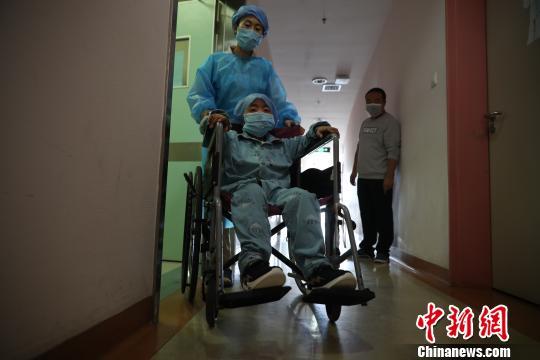 上海专家率先成功探索用干细胞移植治疗原发免疫缺陷罕见病