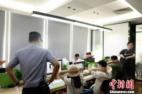 集结号游戏中充值中心·刘玫麟少女时,做过他的人体模特,一幅卖336万,累计卖了上千万